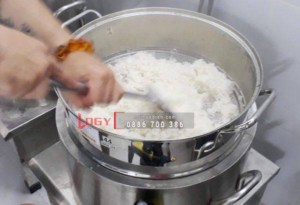 Nồi hấp cơm tấm